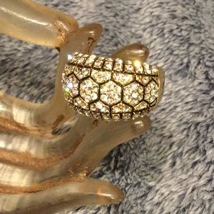 Jewelry - Ring - Swarovski Crystals - Gold Tone
